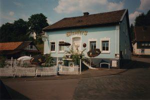 bhb_blaues-haus-1994